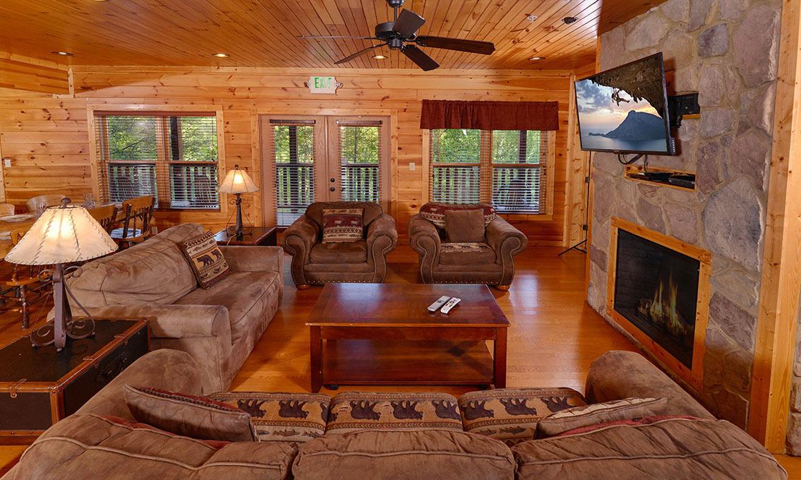 Gatlinburg Cabin Rentals Bearskin Lodge