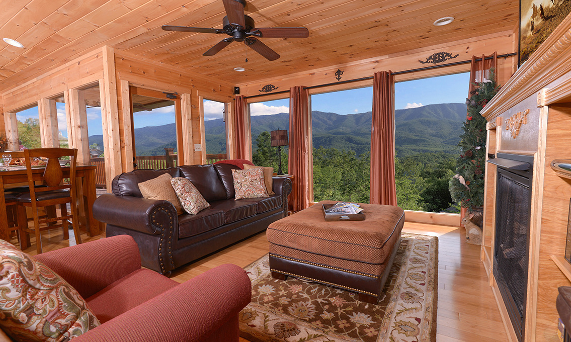 Gatlinburg cabin rentals a luxury view for Best mountain view cabins in gatlinburg tn