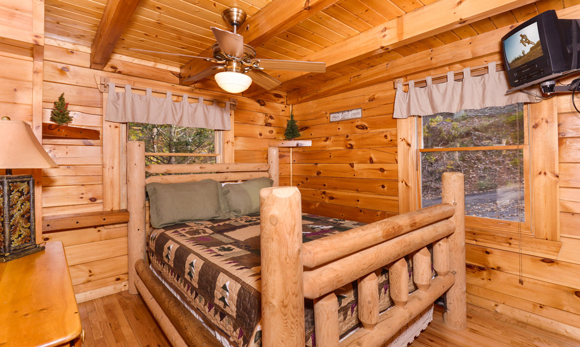 Ordinaire Overview; Living; Kitchen; Recreation; Bedrooms; Bathrooms; Exterior. Gatlinburg  Tree Tops Rocking Chairs