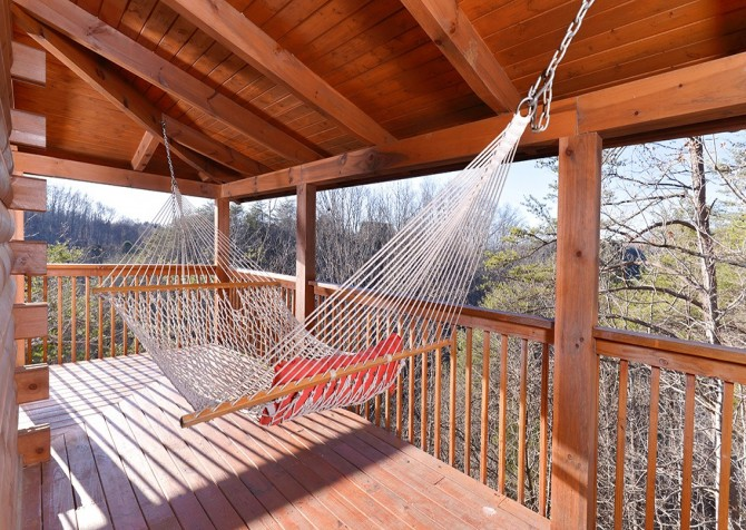 Pigeon Forge - Knotty Desire - Exterior Hammock