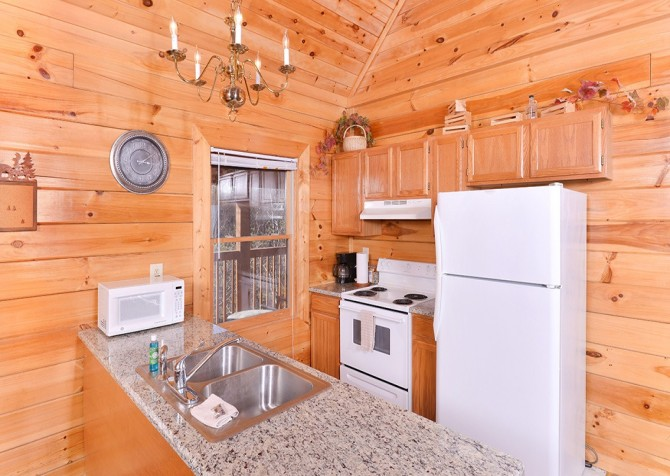 Pigeon Forge - Knotty Desire - Kitchen