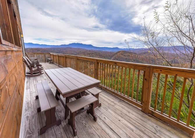 Pigeon Forge Cabin - Crestview Lodge - Deck