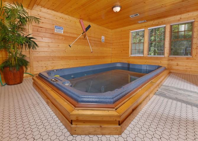 Gatlinburg - Pooling Around - Pool