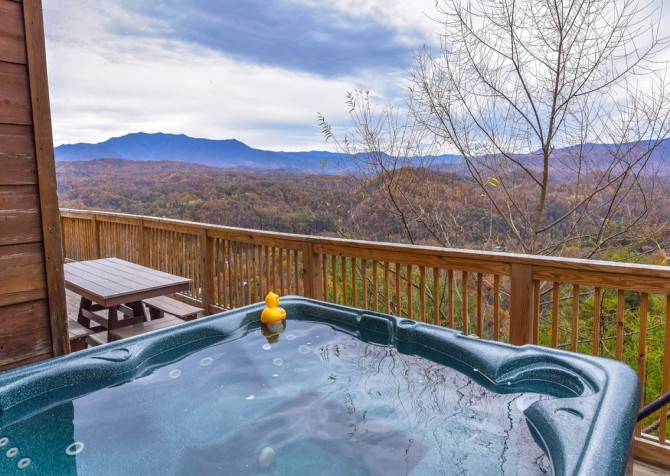 Pigeon Forge Cabin - Crestview Lodge - Hot Tub