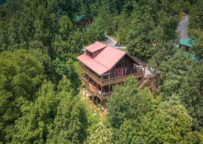 Gatlinburg Cabin - Bearfoot Landing - Exterior Cabin