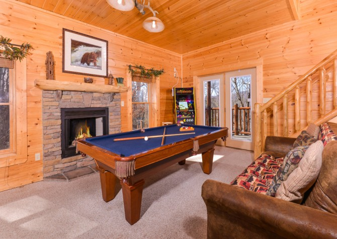 Pigeon Forge Cabin- Papa Bear Lodge – Rec Room