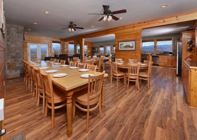 Pigeon Forge Cabin - Crestview Lodge - Kitchen