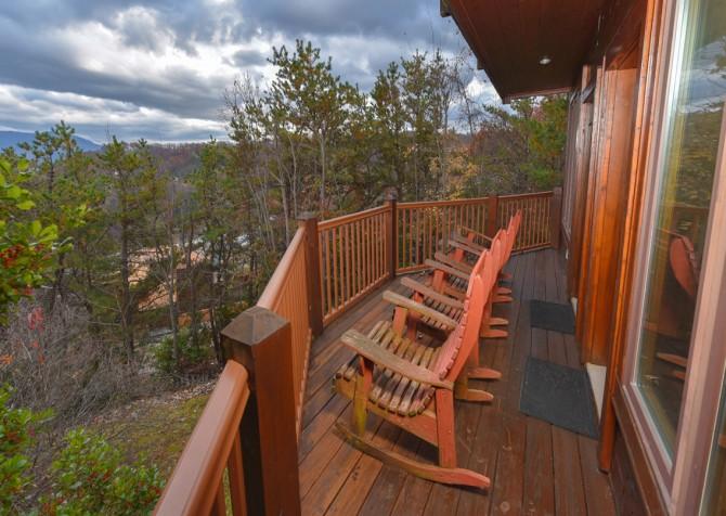 Gatlinburg Cabin - Eagle's Nest - Deck