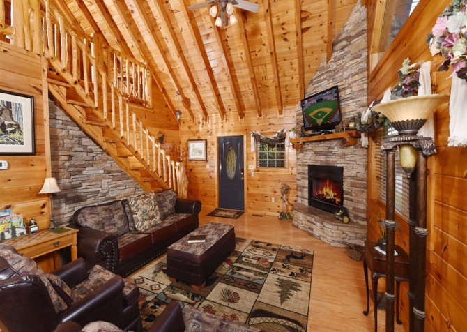 Pigeon Forge Cabin- Hooked On Love – Living Room