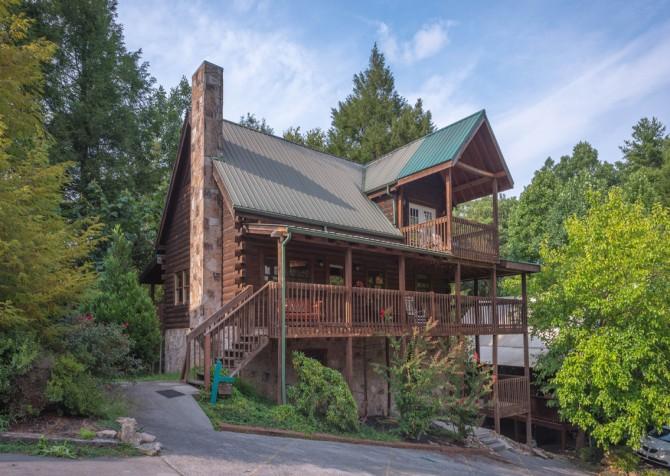 Gatlinburg Cabin - Our Mountain Home - Exterior