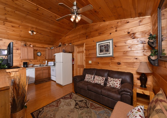Pigeon Forge - A Moment In Time - Living Room