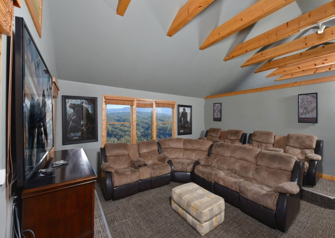Pigeon Forge Cabin - Crestview Lodge - Theater Room