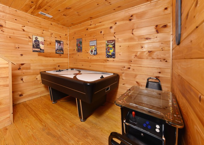 Pigeon Forge - A Cheerful Heart - Rec Room