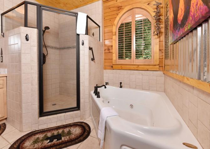 Pigeon Forge Cabin- Cadillac Creek – Bathroom
