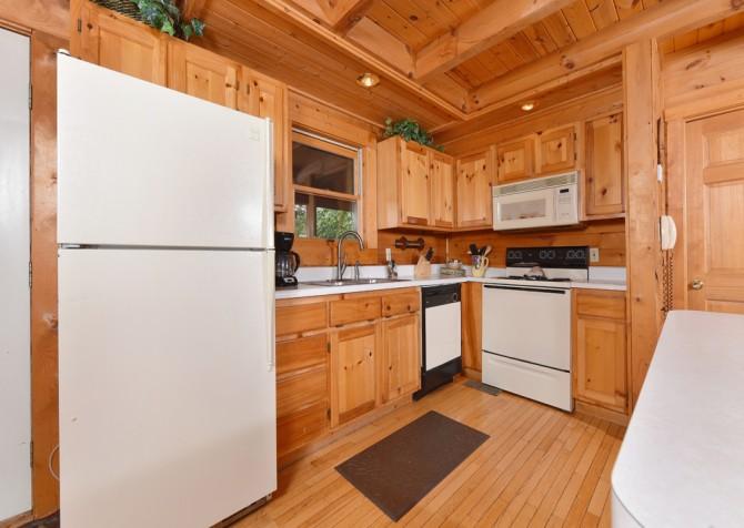 Gatlinburg Cabin - Our Mountain Home - Kitchen