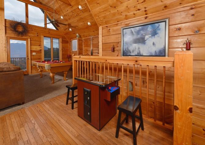 Gatlinburg Cabin - Eagle's Nest - Arcade Game Table