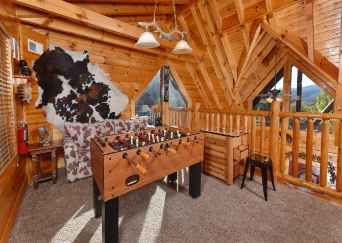 Pigeon Forge - Bearly Normal - Game Loft