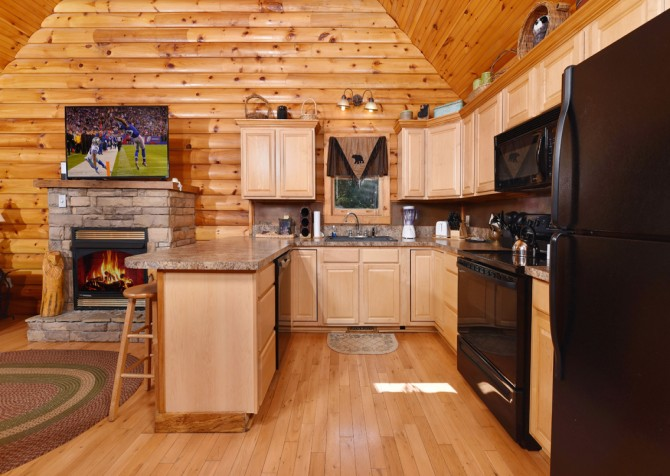 Gatlinburg Cabin - Think A Little Less - Kitchen