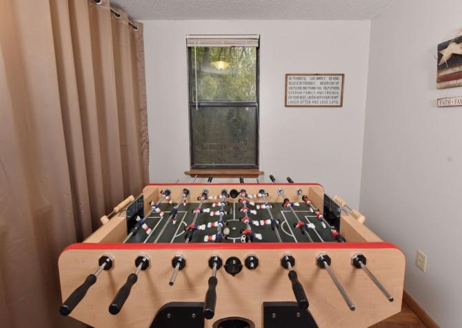 Pigeon Forge - SlumberJack - Foos Ball Table
