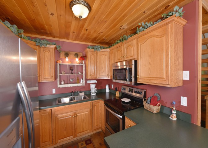 Pigeon Forge - Country Bears Cabin - Kitchen