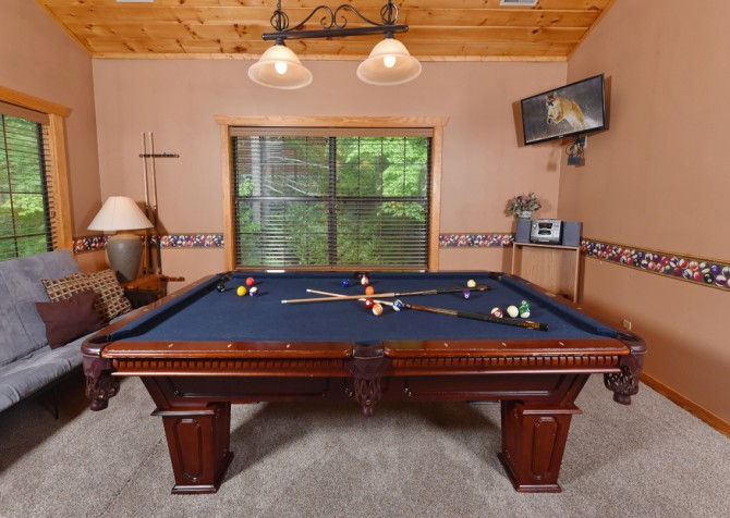 Gatlinburg - Hillside Escape - Pool Table