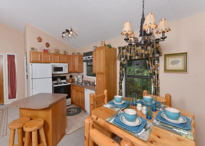 Gatlinburg - The Tree House - Kitchen