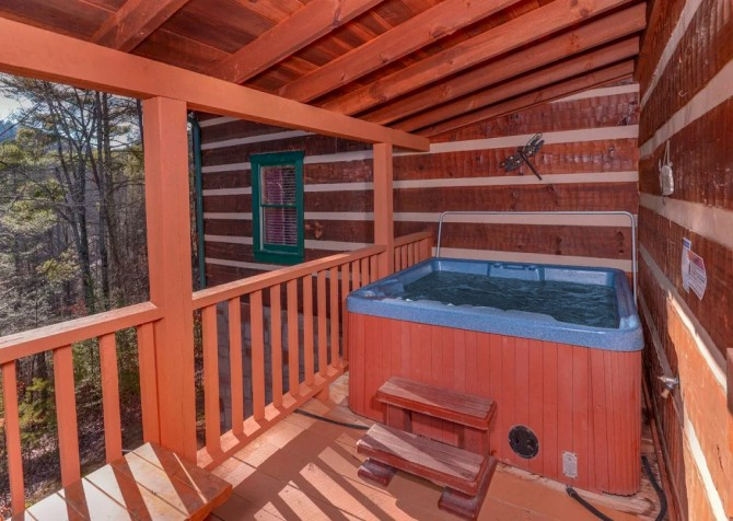 Pigeon Forge - A Sweet Retreat - Hot Tub