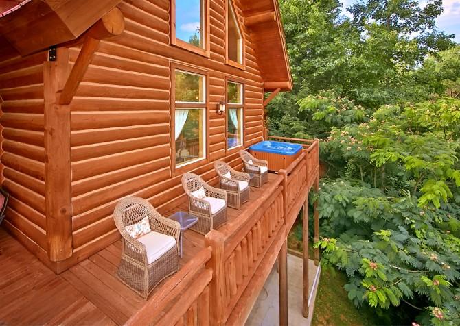 Timber Toy - Exterior