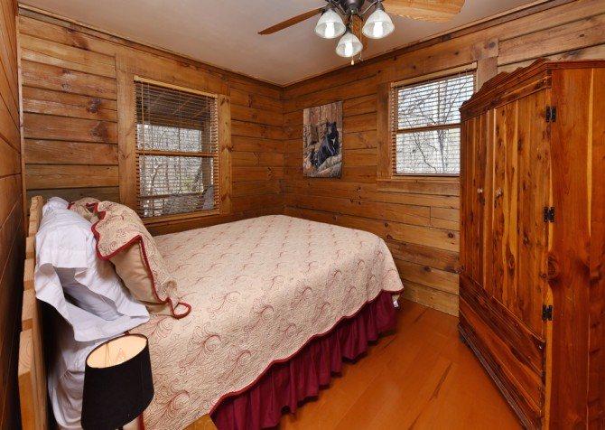 Pigeon Forge - Little Bearadise - Bedroom