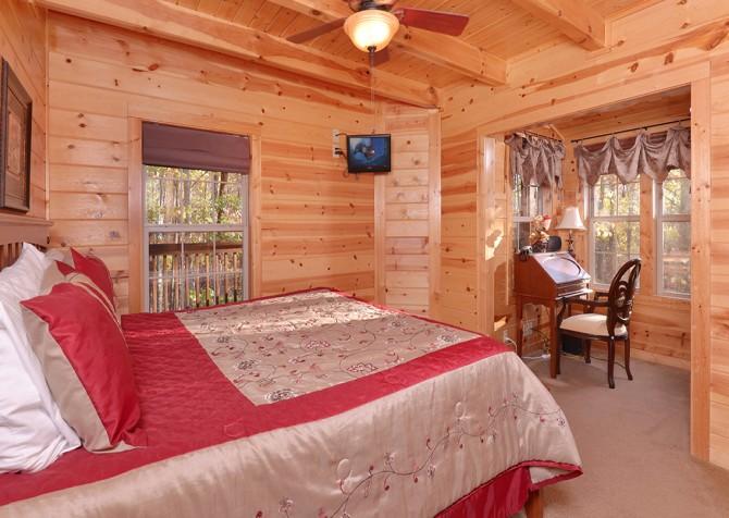 Gatlinburg Cabin- Amy's Place – Bedroom 1