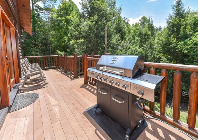 Pigeon Forge Cabin- Cadillac Creek – Grill