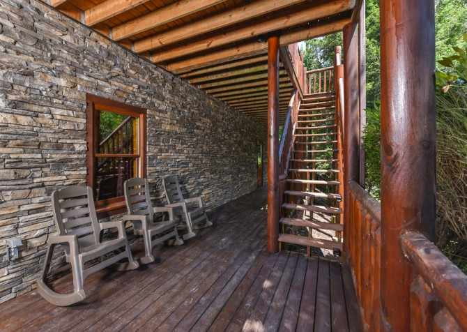 Pigeon Forge Cabin- Cadillac Creek – Deck Seating