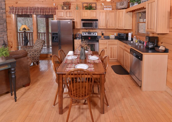 Pigeon Forge Cabins - Simply Amazing - Kitchen