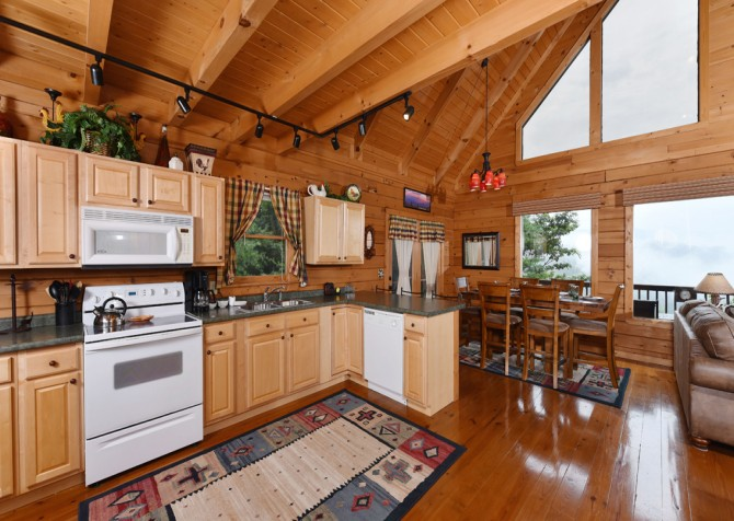Pigeon Forge Cabin- A Li'l Bit of Heaven – Kitchen