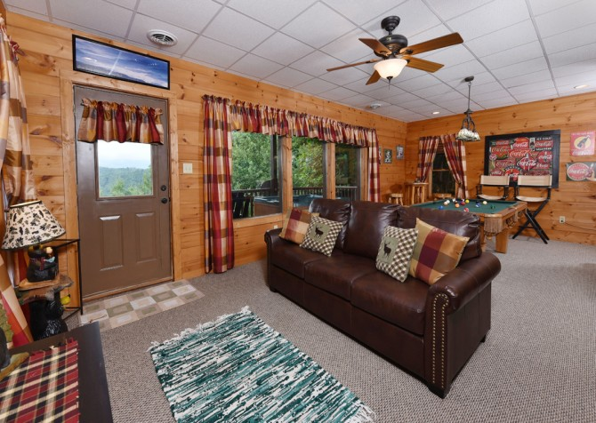 Pigeon Forge Cabin- A Li'l Bit of Heaven – Rec Room