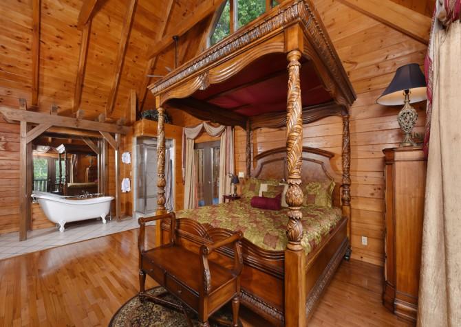 Gatlinburg Cabin - Bear Elegance - Bedroom