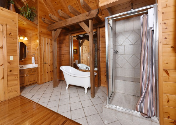 Gatlinburg Cabin - Bear Elegance - Bathroom