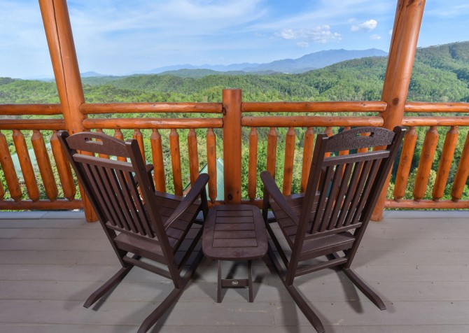 Pigeon Forge - Fitzgerald's Shamrock Chalet - Deck Seating