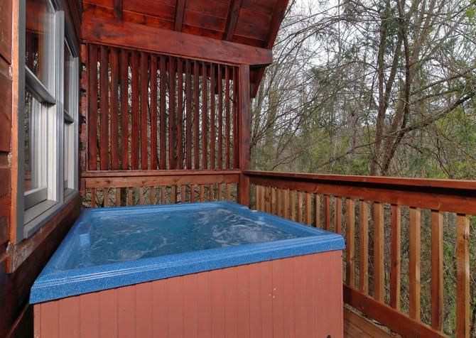 pigeon forge - american heartland - hot tub