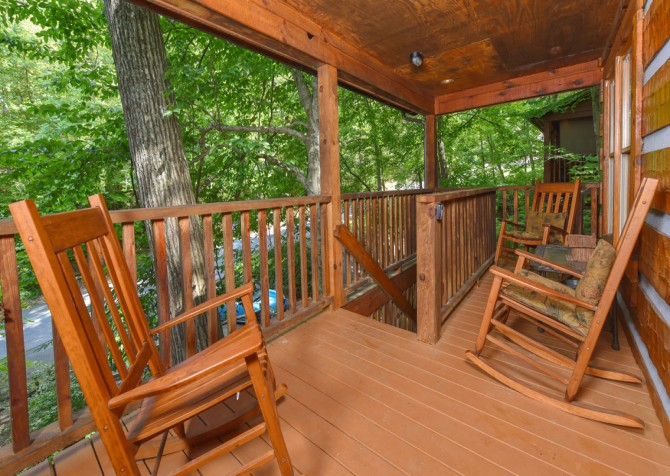 pigeon forge cabin – cuddle bear – exterior