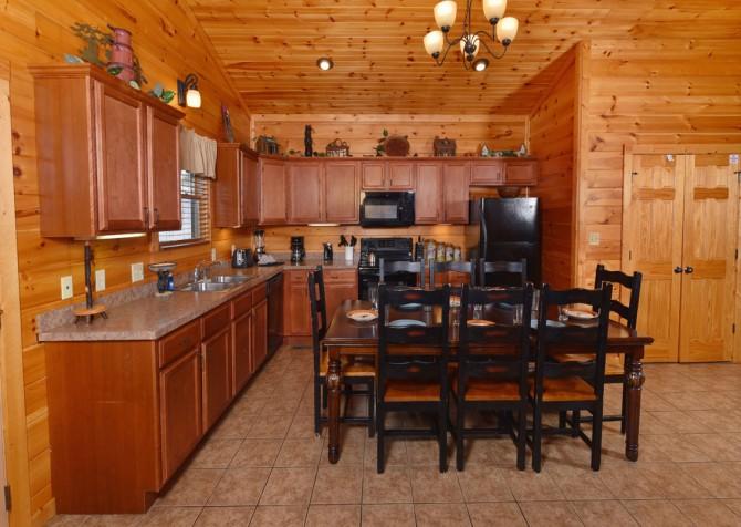 Gatlinburg Cabin- The Best Cabin Ever - Kitchen