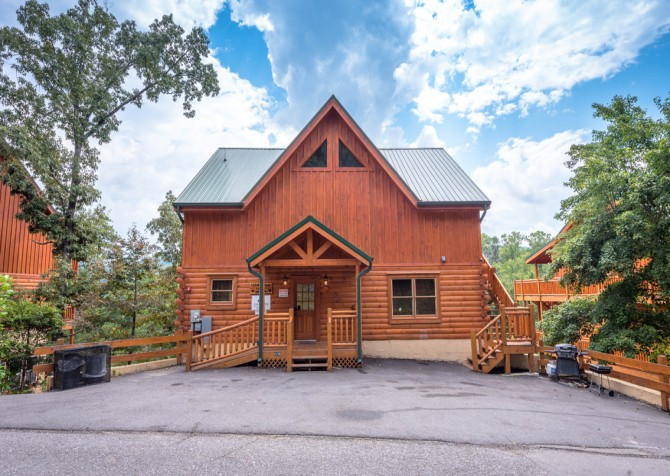 pigeon forege - leconte bear lodge- exterior