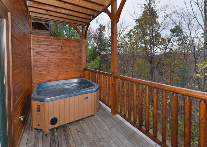 Gatlinburg Cabin- The Best Cabin Ever - Hot Tub