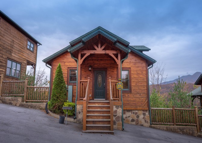 Gatlinburg Cabin- The Best Cabin Ever - Exterior