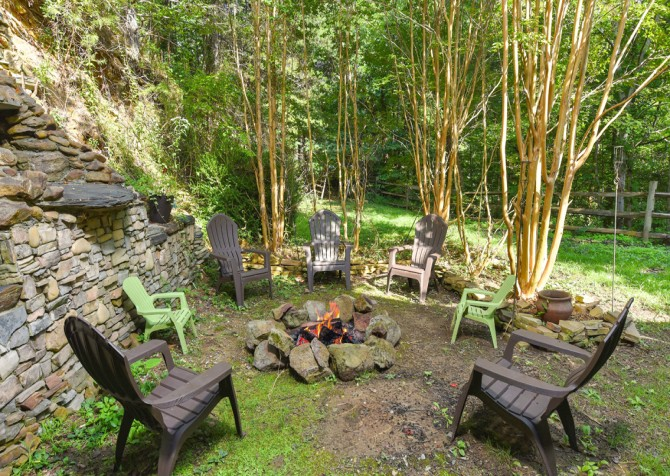 Pigeon Forge - Country Bears Cabin - Fire Pit
