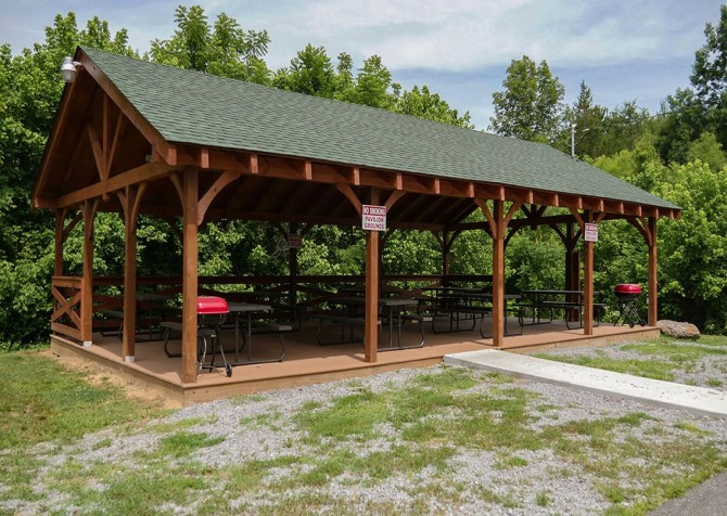 Eagle Springs Resort - Picnic Area