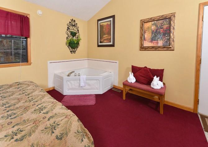 Gatlingburg - Lover's Retreat - bedroom