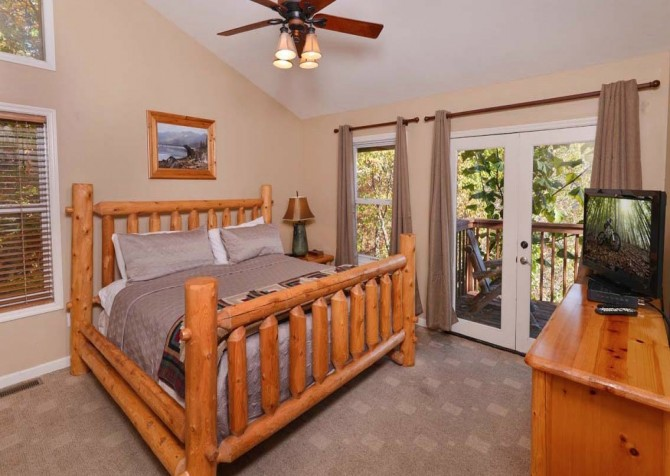 Gatlinburg Cabin- Absolute Heaven - Bedroom 2