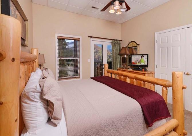 Gatlinburg Cabin- Absolute Heaven - Bedroom 5