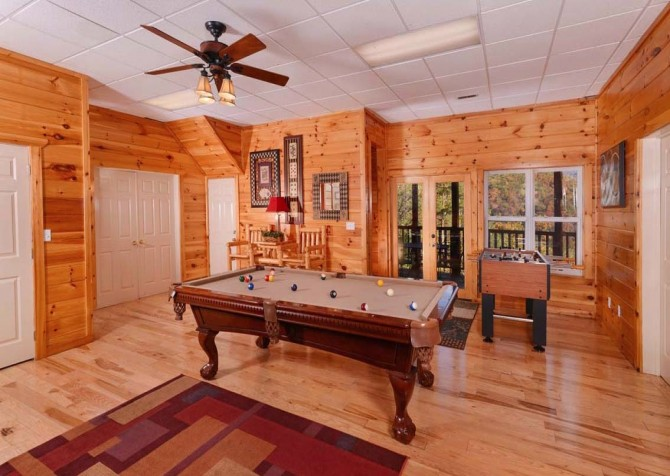Gatlinburg Cabin- Absolute Heaven - Game Room